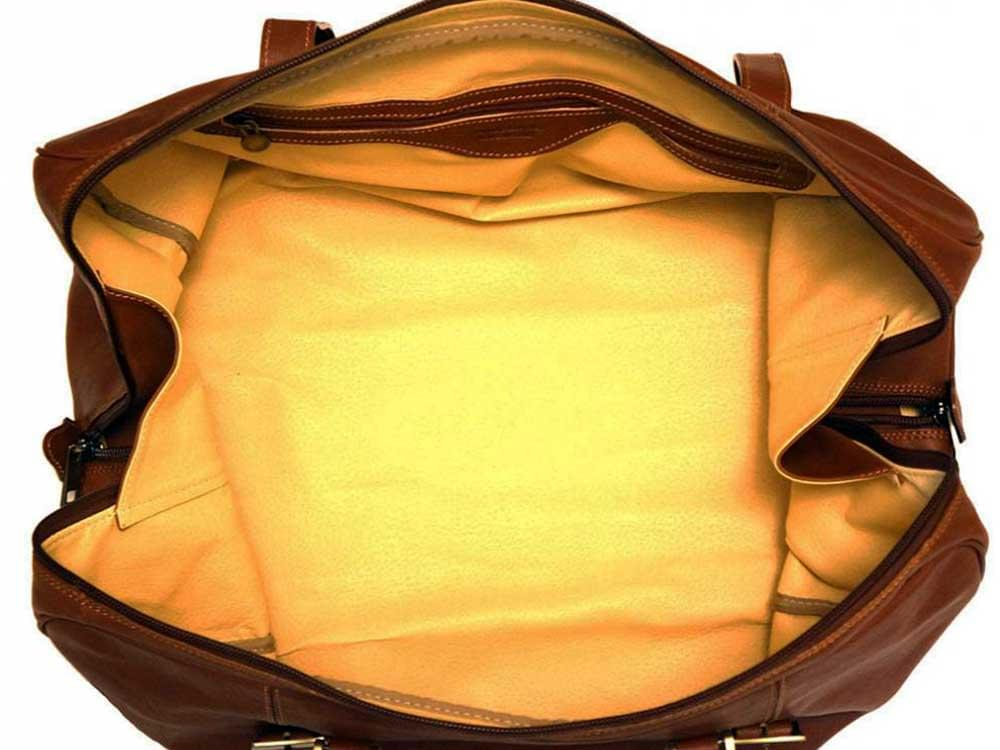 Latina (brown) - genuine Italian leather travel bag - inside