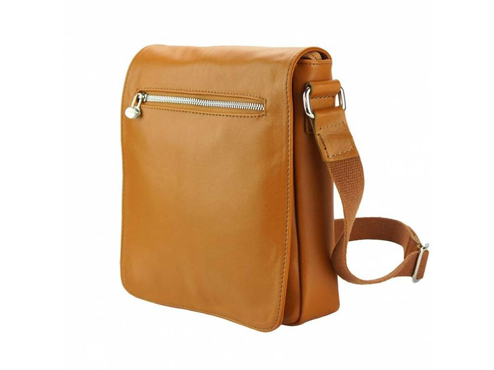 Forli - smooth leather messenger bag