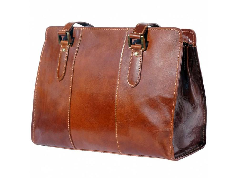 Veruno - legant, high quality leather shoulder bag