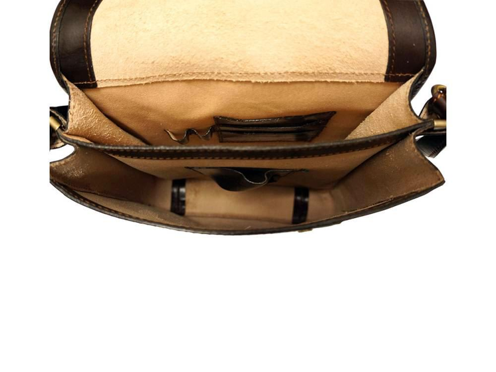 Corato - medium sized leather messenger bag - showing the inside compartments
