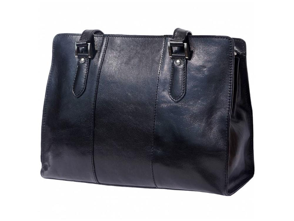 Veruno - elegant, high quality leather shoulder bag