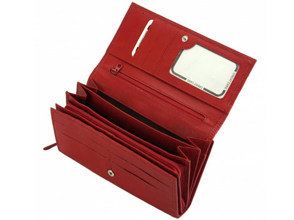 Matilde - igeniously designed leather wallet - showing the coin compartment inside