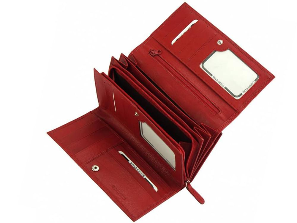 Matilde - igeniously designed leather wallet - showing the compartments in the centre