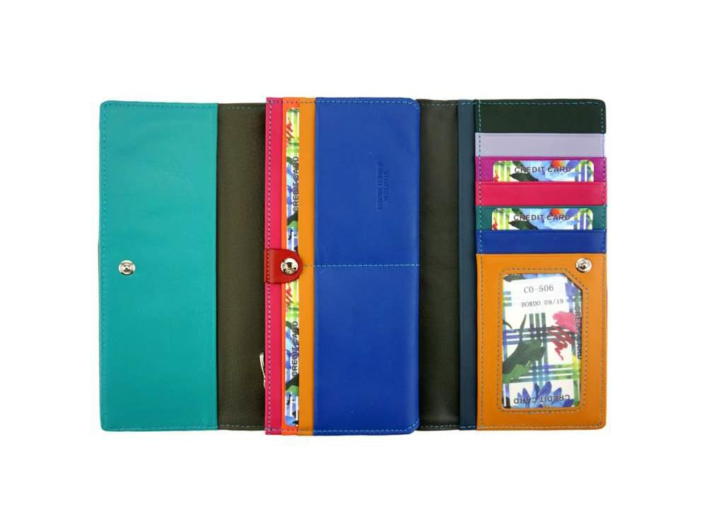 Anna - slim, luxurious, high capacity wallet - opening to the bill/note and card slots