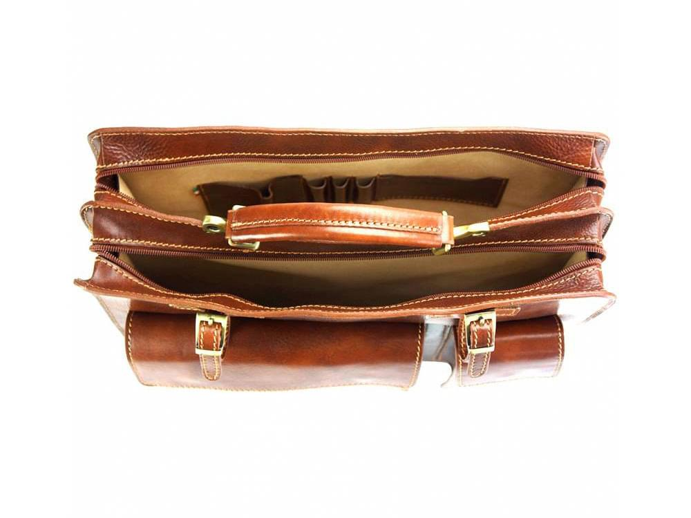 Viterbo - practical and durable briefcase - showing inside